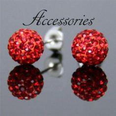 Shamballa fülbevaló csillogó piros színű kristály gömbökkel. Átmérője: 10 mm
