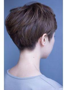美容室 ロハン アン・ハサウェイ風ショートスタイル Short Hair Cuts, Short Hair Styles, Pixie Cuts, Short Bob Haircuts, Pixie Haircut, About Hair, Hair And Nails, Hair Beauty, Hairstyle