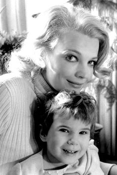 Gena Rowlands with her daughter Alexandra Hollywood Photo, Classic Hollywood, Old Hollywood, Gena Rowlands, John Cassavetes, Classy Women, Classy Lady, Celebs, Celebrities
