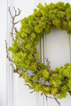 This gorgeous wreath perfectly straddles summer and fall, and is super easy to make