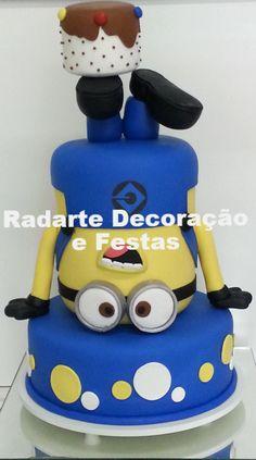 Bolo Cenográfico Minions - Aluguel Minion Birthday, Minion Party, Boy Birthday Parties, Birthday Cake, Torta Minion, Bolo Minion, Minion Cakes, Minions 2, Despicable Me Cake