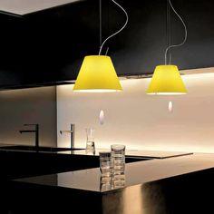 Crea un ambiente cordiale e invitante accostando colori e design :)