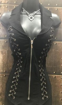 Exceptional Harley Davidson images are offered on our web pages. Have a look and you will not be sorry you did. Gothic Outfits, Edgy Outfits, Cool Outfits, Fashion Outfits, Fashion Clothes, Fashion Accessories, Pink Fashion, Gothic Fashion, Womens Fashion
