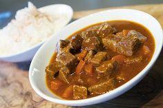 Kjøtt i mørke - Godt gufs fra 80 tallet! Beef, Traditional, Food, Browning, Food Portions, Meat, Food Food, Meals, Ox