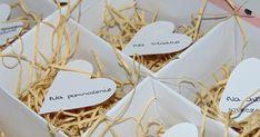 DIY : Weselny Box - prezent dla nowożeńców, co dać na prezent ślubny, jak zrobić ślubne pudełko, pomysł na prezent dla młodych Place Cards, Container, Place Card Holders, Diy, Weddings, Bricolage, Wedding, Do It Yourself, Homemade