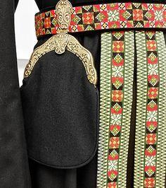 Bunad og Stakkastovo AS Folk Costume, Costumes, Hardanger Embroidery, Cute Designs, Norway, Ethnic, Europe, Belt, Dolls