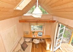 Inside-Vinas-140-square-foot-tiny-house-on-wheels