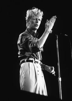 1 person, on stageYou can find The doors and more on our person, on stage Black And White Photo Wall, Black And White Pictures, David Bowie, I Need A Girlfriend, Bowie Labyrinth, Talk To The Hand, Les Beatles, Tv Show Music, Goblin King