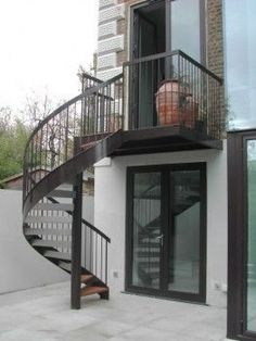 Spiral Staircase Design   Belsize Square, London Antony Walters Metalwork  (Patio Step Handrail)