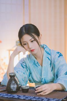 POCO摄影 Geisha Japan, Geisha Art, Asian Cute, Beautiful Asian Girls, Costumes Japan, Prety Girl, Cute Kimonos, Anime Kimono, Kimono Japan