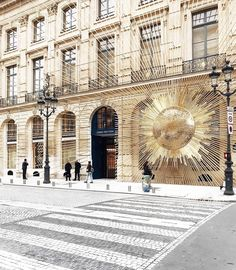 f0114fb76a Box Store, Exhibition Display, Store Windows, Store Fronts, Louis Vuitton  Store, Visual Display, Box Design, Visual Merchandising, Paris France