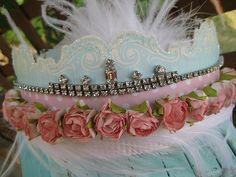 aqua and pink Flower Garlands, Diy Flowers, Crown Printable, Wire Crown, Paper Hats, Crown Crafts, Birthday Crowns, Princess Crowns, Altered Bottles