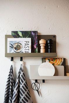 Muuto FOLDED shelves by Johan van Hengel at Mobilia Interior in Amsterdam. Scandinavian Living, Scandinavian Design, Wall Shelves, Shelving, Shelf, Interiores Design, Interior Styling, Home Kitchens, Interior And Exterior