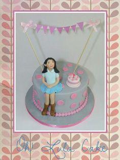 Tarta fondant cumpleaños gris rosa niña