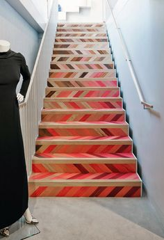 Painted stair treads in white may also used in combination with wallpapered risers to introduce a tiny design. Wellpainted floors might be the alternative! Painted staircase could possibly be real characteristic in a hallway. Painted Staircases, Painted Stairs, Wood Stairs, Basement Stairs, House Stairs, Design Patio, House Design, Staircase Pictures, Staircase Ideas