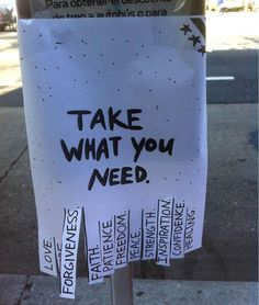 Foto (C & # est la vie) - Street art - Streetart David Zinn, Take What You Need, Sidewalk Chalk Art, Public Art, Public Spaces, Positivity, Faith, Make It Yourself, Be Gentle With Yourself