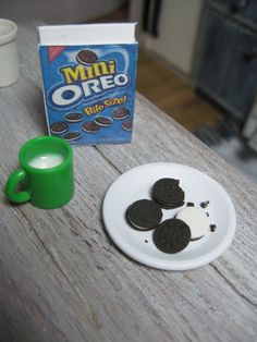 miniature playscale oreo cookie set 1/6 1:6 by TheDollyCottage