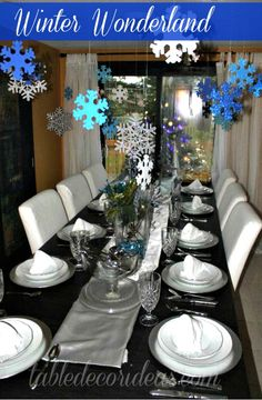 Winter Wonderland Decor Idea- If you're planning on throwing a winter party and need ideas, this is a great Winter Decor Idea to check out!  Great Christmas Decor Idea too!!