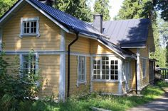 German Houses, Yellow Cottage, Cabins And Cottages, Cozy Cabin, Hotel Spa, Old Houses, My Dream Home, Future House, Outdoor Structures