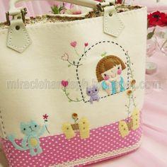 Handmade: South Korea's popular hand-bag ~ Miracle hands
