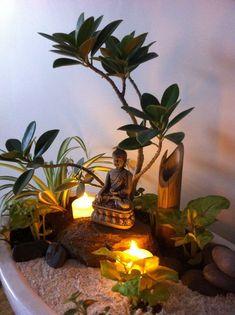Ein weiterer Miniatur-Buddha-Garten Ein weiterer Miniatur-Buddha-Garten The Effective Pictures We Offer You About tiny Zen Garden A quality picture can tell you many things. You can find t Miniature Zen Garden, Mini Zen Garden, Miniature Gardens, Zen Gardens, Meditation Corner, Meditation Garden, Jardin Zen Interior, Mini Jardin Zen, Arreglos Ikebana