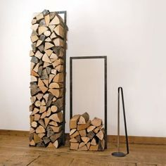 You want to build a outdoor firewood rack? Here is a some firewood storage and creative firewood rack ideas for outdoors. Indoor Firewood Rack, Firewood Holder, Firewood Stand, Log Store, Log Holder, Fireplace Hearth, Wood Holder For Fireplace, Fireplaces, Fireplace Tools