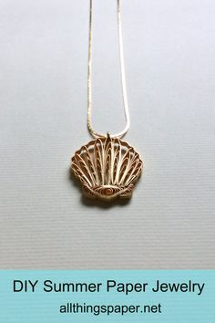 Make an elegant gilded seashell necklace in an evening. Durable and lightweight, it's so comfortable to wear on a warm summer day. Quilling Supplies, Quilling Craft, Quilling Designs, Paper Quilling, Easy Paper Crafts, Glue Crafts, Seashell Necklace, Shell Necklaces, Crafts With Pictures