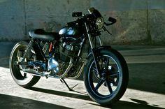 Honda CB250 By Drifter Bikes    ♠ http://milchapitas-kustombikes.blogspot.com/ ♠