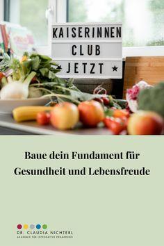 """Das lieben KaiserInnen an ihrem Club Wir haben sie gefragt. Und das ist ihr Feedback.  """"Der KaiserInnen Club ist ein bunter Mix aus Rezepten, Anregungen und Wissen. Immer wieder bekomme ich Anregungen, um auf der gesunden Seite zu bleiben.!""""  Monika Wernhart Club, Food, Holistic Practitioner, Joie De Vivre, Simple, Feel Better, Knowledge, Health, Essen"""