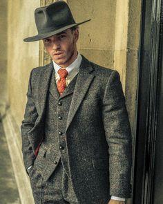 "636 Likes, 2 Comments - THOMAS FARTHING ʟᴏɴᴅᴏɴ (@thomasfarthinglondon) on Instagram: ""A Thomas Farthing classic   The Edison Harris Tweed 3 Piece www.thomasFarthing.co.uk B.Slade  …"""