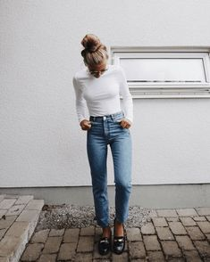 37 Trendy Simple Style Outfits You Need To Know outfits, wearing style,fashion o. - 37 Trendy Simple Style Outfits You Need To Know outfits, wearing style,fashion outfits Source by savitahelfferic - Fashion Mode, Girl Fashion, Fashion Outfits, Lifestyle Fashion, Denim Fashion, Fashion Ideas, Petite Fashion, Fall Winter Outfits, Spring Outfits