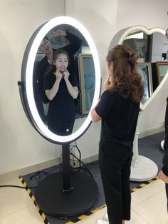 Oval mirror photo booth with black housing color, adjustable white led light Magic Mirror Photo Booth, Mirror Booth, Photo Booth For Sale, Event Photo Booth, Photo Booth Printer, Photo Booth Machine, Photo Booth Equipment, Green Screen Photo, Photo Boots
