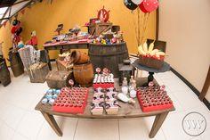 As festas de pirata fazem muito sucesso com os meninos! http://www.valwander.com/blog/pedro-8-anos/  #valwander #casamento #fotografia #fotógrafosbh #fotografiasemocionantes #noiva