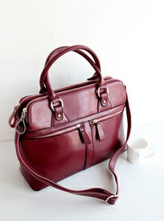 Love the colour of this bag<33