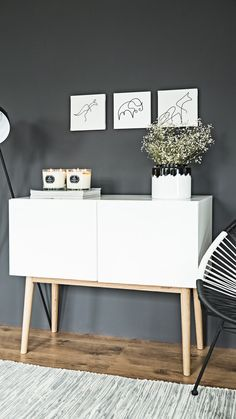 Kommode High on Wood in Weiß Hochglanz The small dresser by Zuiver promises storage space and style. With its clean look in white and natural colors, the sideboard guarantees your living room guaranteed! Grey Living Room With Color, Living Room Red, Living Room Accents, Living Room Decor, Living Room Storage, Storage Spaces, Small Furniture, Home Furniture, Living Room Ideas 2019