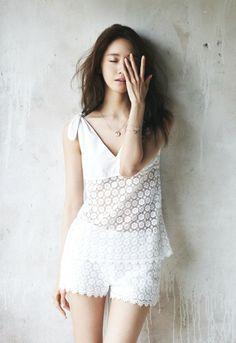Korean Magazine Lovers (SNSD Yoona - Cosmopolitan Magazine May Issue Girls Generation, Korean Girl, Asian Girl, Yoona Snsd, Girl Day, Korean Model, Asian Style, Asian Fashion, Women's Fashion