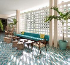 Midcentury Modern And Vintage Love — Who wants to stay here? Midcentury Modern And Vintage Love — Who wants to stay here? Mid Century Modern Living Room, Mid Century Modern Decor, Mid Century House, Mid Century Style, Mid Century Modern Furniture, Mid Century Design, Midcentury Modern, Pollo Tropical, Tropical Furniture