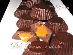 Cioccolatini ripieni al Caramello salato Dolce, Sweets, Estate, Desserts, Muffin, Food, Cream, Tailgate Desserts, Deserts