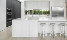 modern-mirror-kitchen