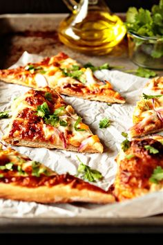 Barbecue Chicken Pizza- May is National Barbecue Month! #barbecue #chicken # pizza