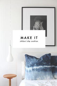 DIY Une housse de coussin Shibori. (titleSHIBORIDIPblackbird) (http://theblackbird.co.nz/2015/03/make-it-shibori-dip-cushions.html)