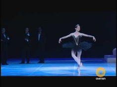▶ Maurice Bejart's Nutcracker - Dance of the Sugar Plum Fairy - Ovation - YouTube