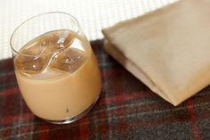 Crema Bayles Bimby IngredientiCrema Bayles Bimby - 80 gr Cioccolato Bianco - 40 gr Cioccolato Fondente - 550 gr Latte intero a lunga conservazione - 300 gr Zucchero - 3 Tuorli - 1 cucchiaio Vanillina (o Zucchero Vanigliato) - 120 gr Alcool - 50 gr Whisky - 50 gr Marsala secco Come preparare la Crema Bayles Bimby