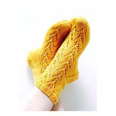 Ravelry: Tähkät pattern by Niina Laitinen Woolen Socks, Knitting Socks, Knit Socks, Knitting Projects, Ravelry, Needlework, Pattern, Collection, Design