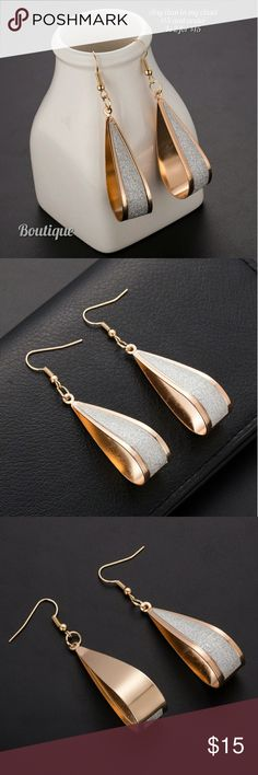 🆕 Gorgeous Gold Tone Earrings With Silver Sparkle Brand New Drop Hoop Gold Tone Earrings Has Silver Sparkle Fashion Earrings Jewelry Earrings