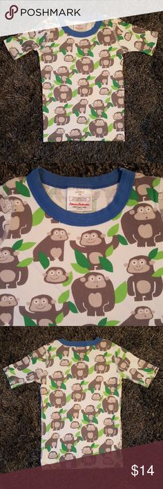 Hanna Andersson Gorilla Sleep Top 130cm US 8 This is a used, good condition sleep top from Hanna Andersson in a size 8 (130cm). It can be worn in the day as well. No stains or tears. Normal wear. Hanna Andersson Pajamas Pajama Tops
