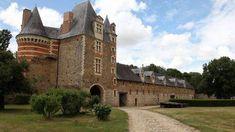 Le Château de Mortiercrolles à Saint-Quentin-les-Anges en sud #Mayenne