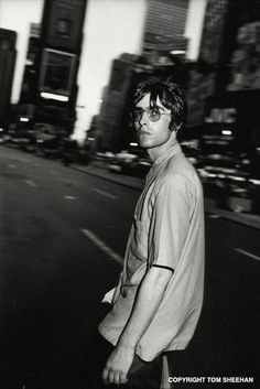 World S Best Liam Gallagher Stock Pictures Photos And Images Liam Gallagher Noel Gallagher, Liam Gallagher Glasses, Cover Shoot, Oasis Music, Liam And Noel, Oasis Band, Indie Boy, Beady Eye, Estilo Indie