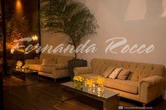 Espaço Casa Itaim l Decoração Fernanda Rocco Eventos l Fotografia Michele Musial l Flores Amarelas l Tons de fendi l Mesa de centro espelhada l Árvore de Bambu l Lounge Clássico