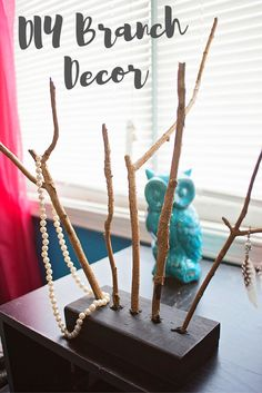 Make this branch accessory to have in your home. http://www.theperfectstormbffs.com/2016/09/diy-branch-decor.html